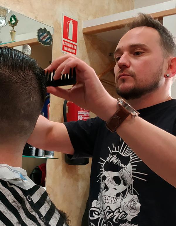 arturo-peluqueros-moreno